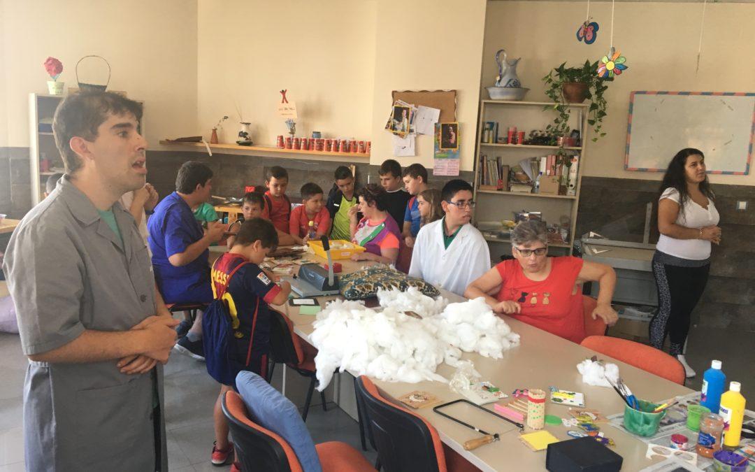 Los niños de la Escuela de Verano visitan el Centro Ocupacional San Pablo