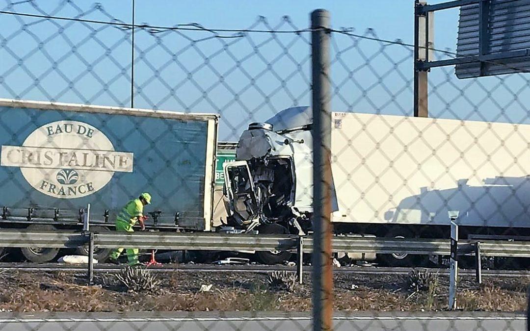 Restablecido el tráfico en la A-4 por La Carolina tras el accidente de dos camiones