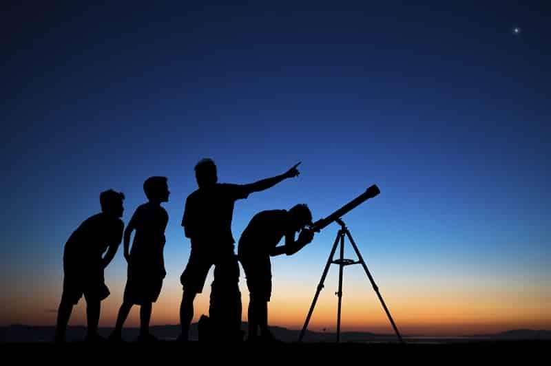 Taller para la observación del eclipse parcial de luna