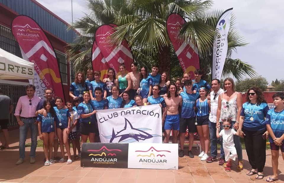 Más de 120 nadadores participan en la primera fase del Circuito Provincial de Natación