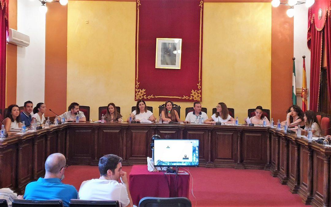 El Ayuntamiento ahorra 134.000 euros en sueldos de personal de confianza