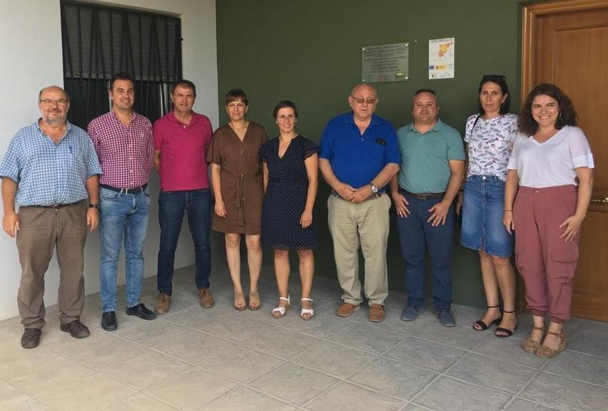 La delegada de Agricultura realiza una visita a PRODECAN en Villanueva de la Reina