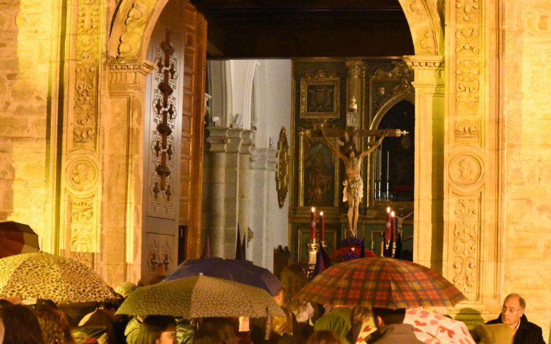Arjona conmemora el 75 aniversario del Cristo de la Expiración