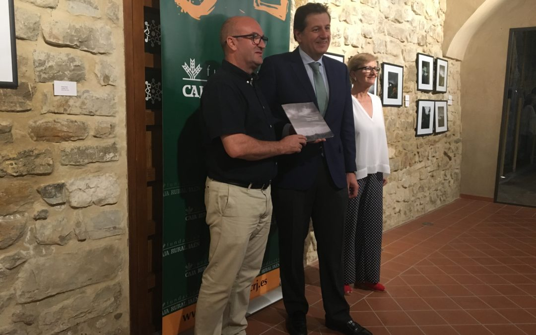 La Fundación Caja Rural de Jaén exhibe en el Castillo de Torredonjimeno las obras de su XI Certamen de Fotografía