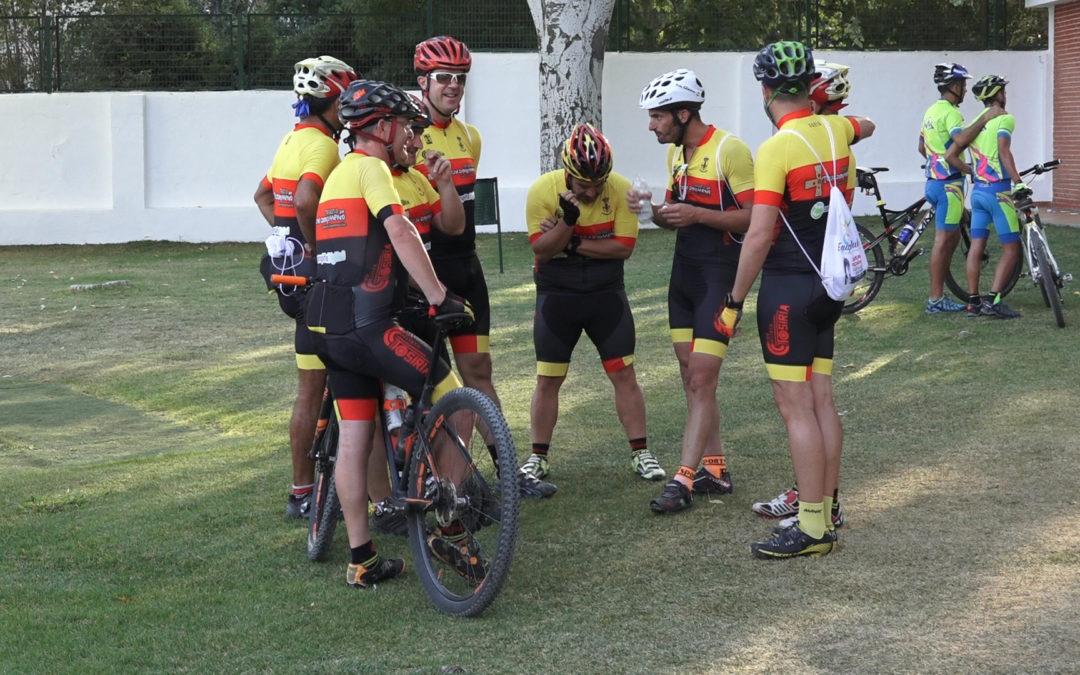 El Club Ciclista Tosiria y el Club de Atletismo La Zancada de Torredonjimeno colaboran en una jornada solidaria