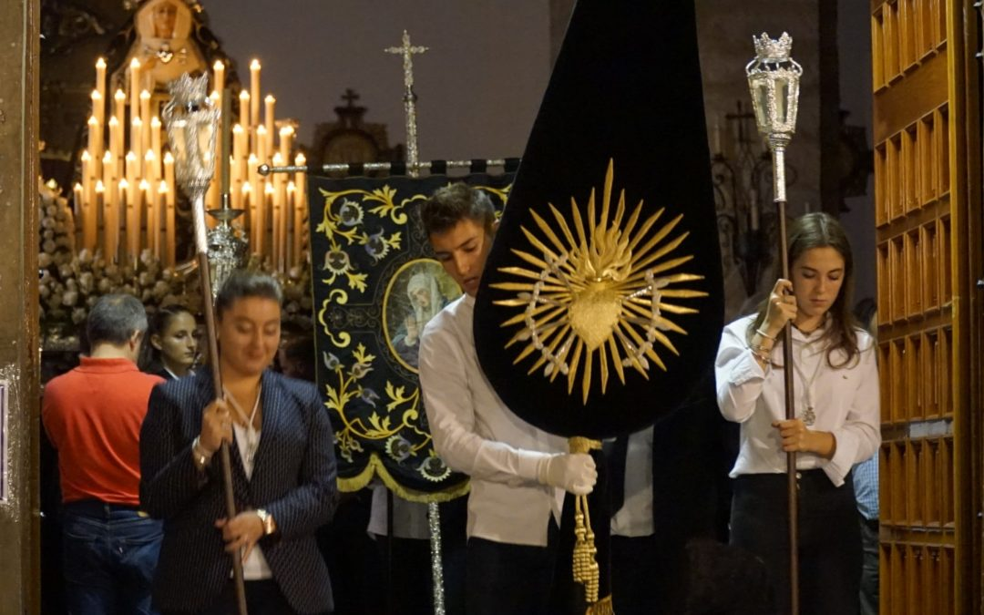 GALERÍA | La Virgen de los Dolores recorrió las calles de Torredelcampo