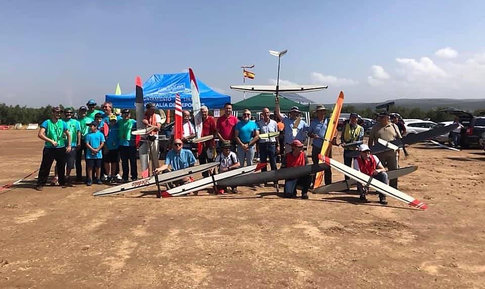 El aeromodelismo toma el cielo de Linares