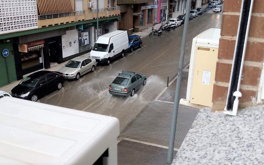 La tromba de agua deja una decena de incidencias en Linares