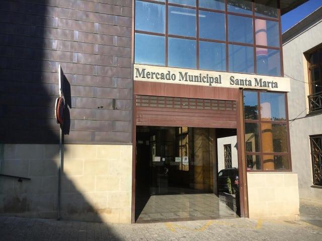 Mercadillo semanal y Mercado de Santa Marta abrirán mañana