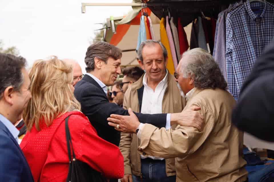 Rafael Hernando visita Andújar para explicar las propuestas del PP