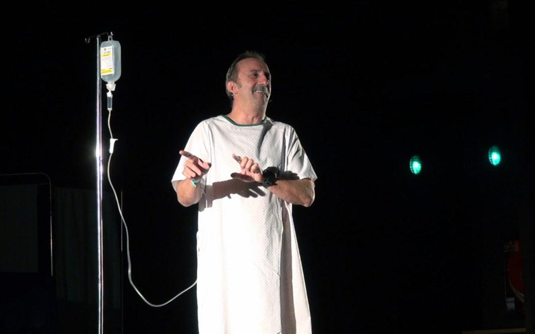 Santi Rodríguez conquista al público linarense con su espectáculo 'Infarto'
