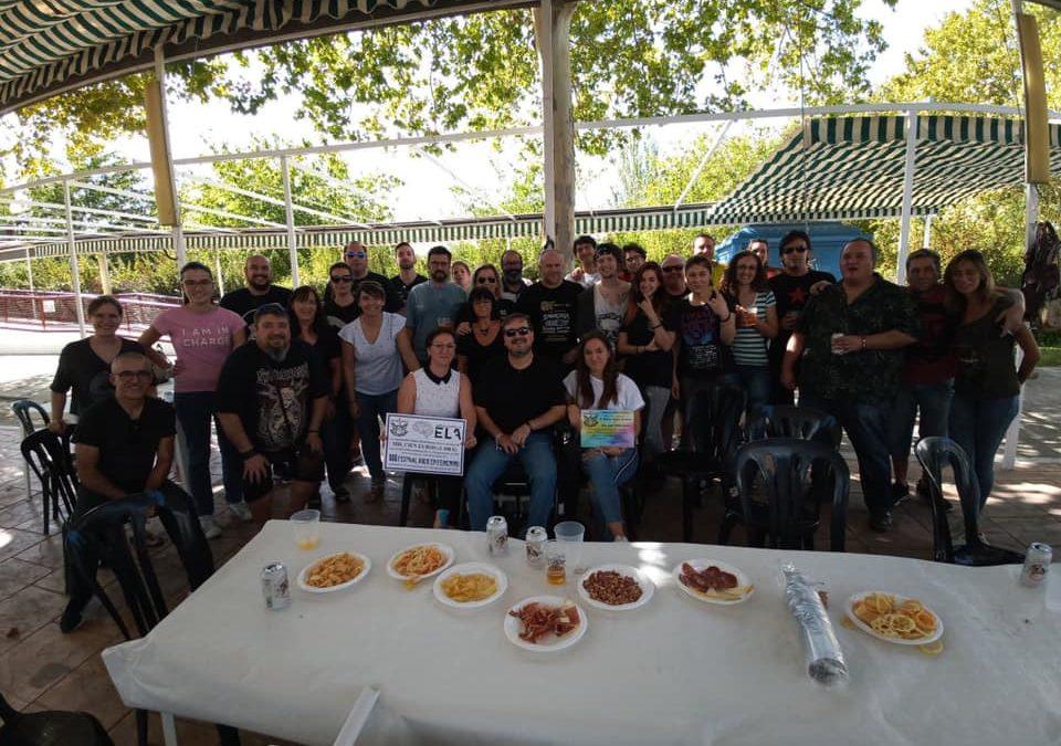 La Asociación Cultural Rockximeno entrega 1.100 euros al colectivo Juntos contra la ELA