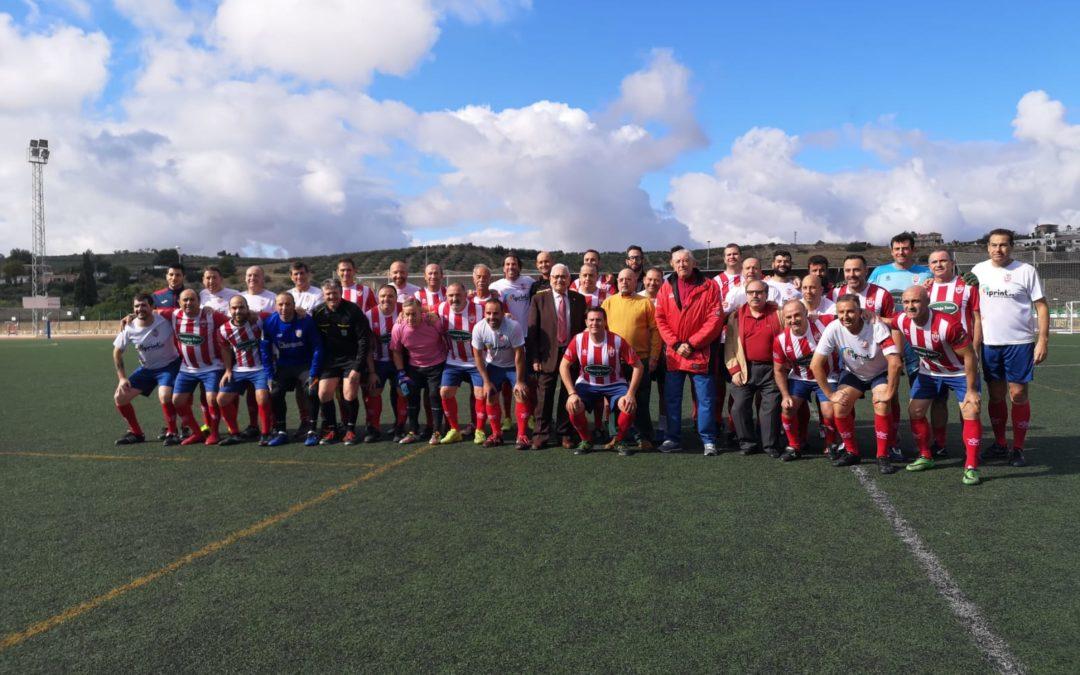 Homenaje a tres personas relevantes en la historia del fútbol tosiriano