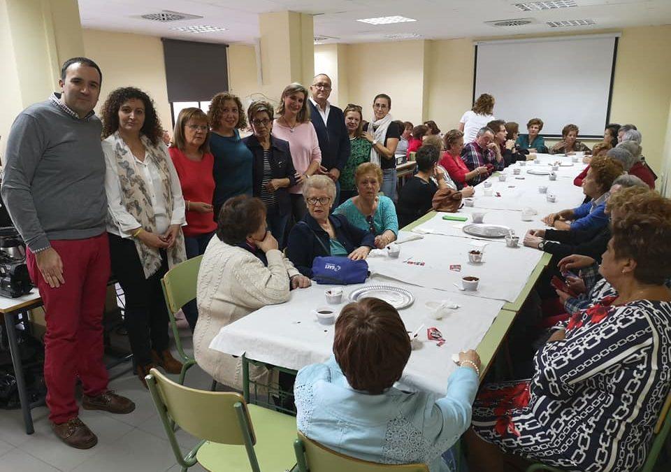 Primera merienda de convivencia en el Centro de Adultos del Otoño Sociocultural