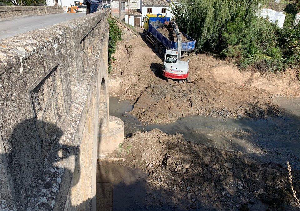 Obras de emergencia en el puente de Triana