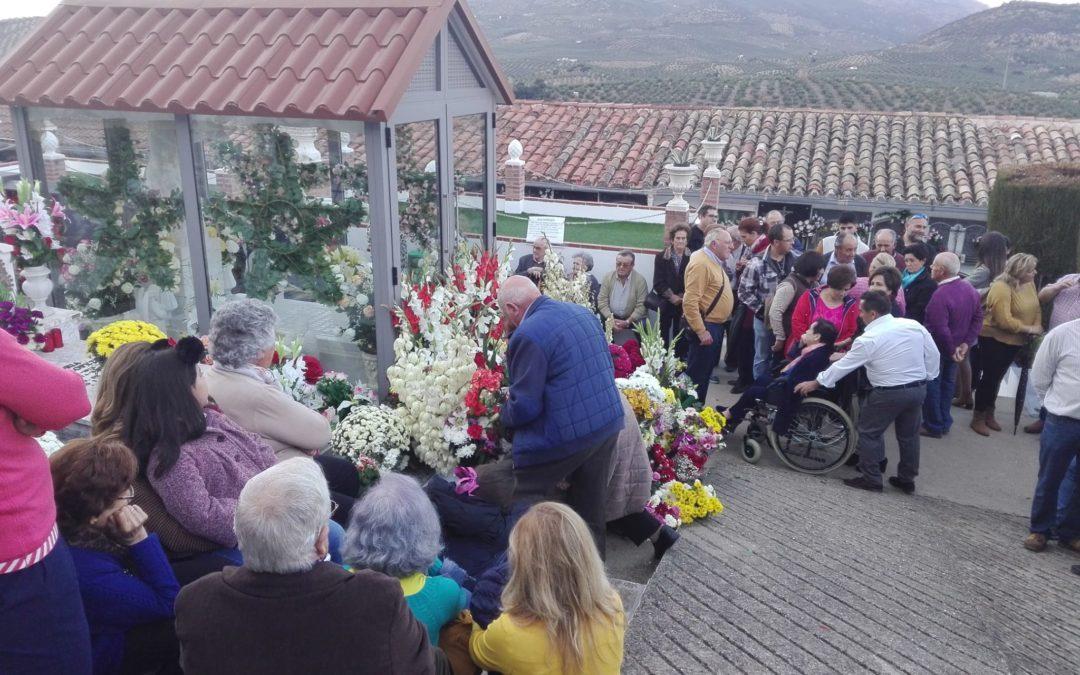 """Masiva peregrinación a la tumba del """"Santo Manuel"""""""