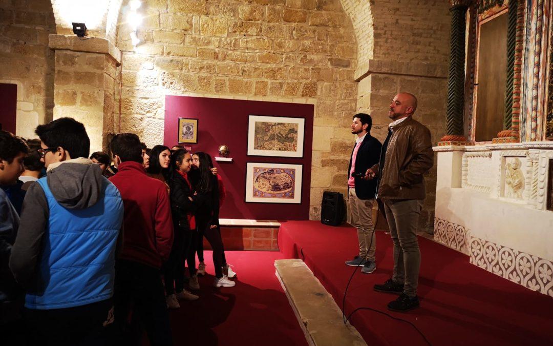 """Los escolares arjoneros inauguran la exposición """"Reconquista, Reyes Católicos y el descubrimiento de América"""""""