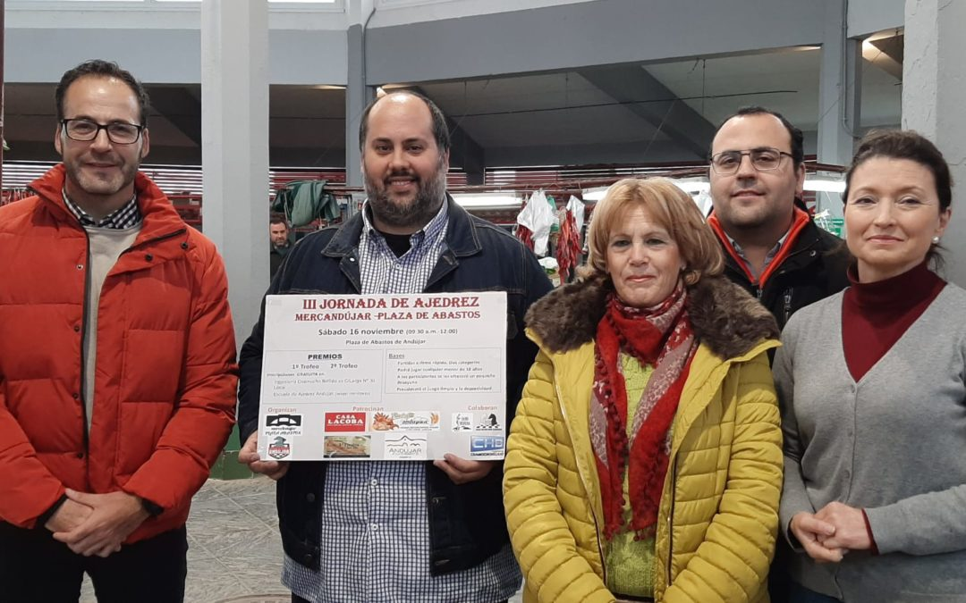 La plaza de abastos acoge la III Jornada de Ajedrez Mercandújar