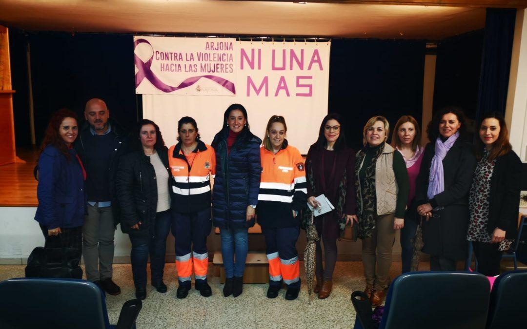 Una señal en pleno centro de Arjona recuerda desde hoy la lucha común contra la violencia de género