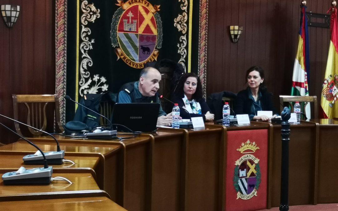La Guardia Civil ofrece una conferencia sobre la evolución histórica de las leyes contra la violencia machista en España