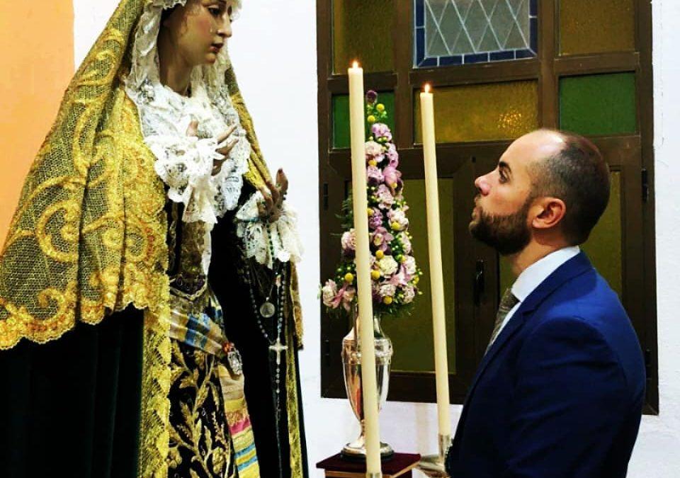 El imaginero Antonio Parras trabaja en el primer Cristo de Pasión de su carrera