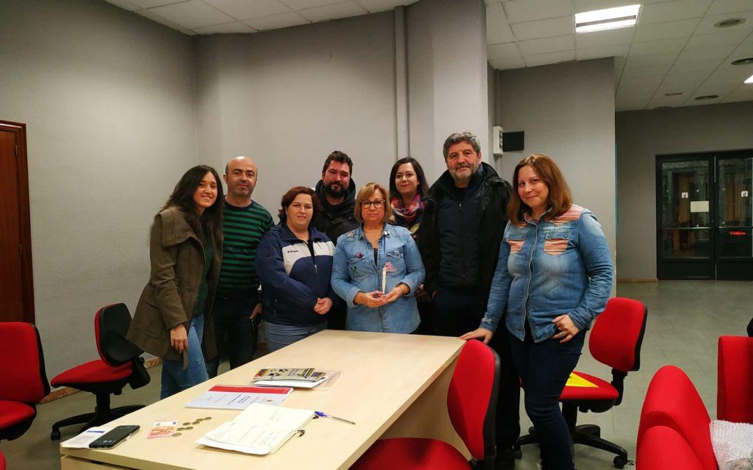 Manuela Parras dona su replica del Idolillo a Acción por el Patrimonio