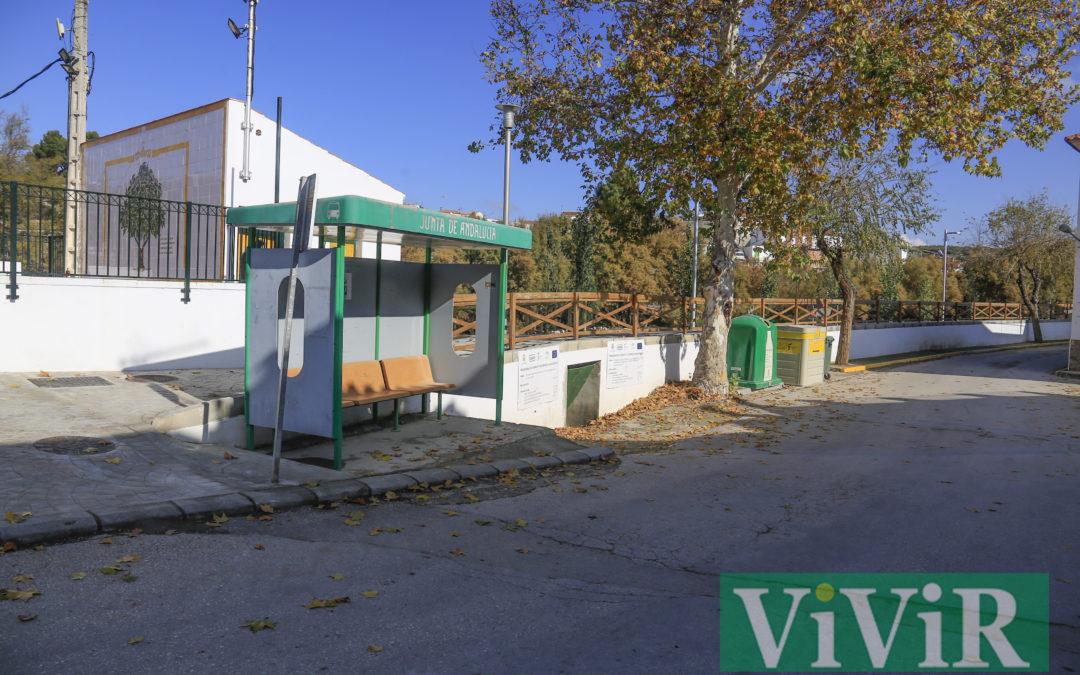 """El alcalde y pedáneos de Alcaudete exigen a la Junta que """"deje de deteriorar"""" el transporte escolar"""