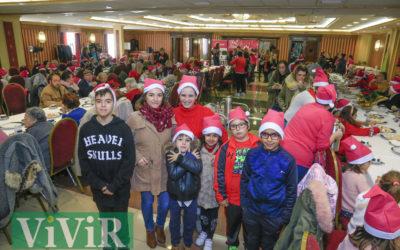 Convivencia de mayores y niños con motivo de la Navidad