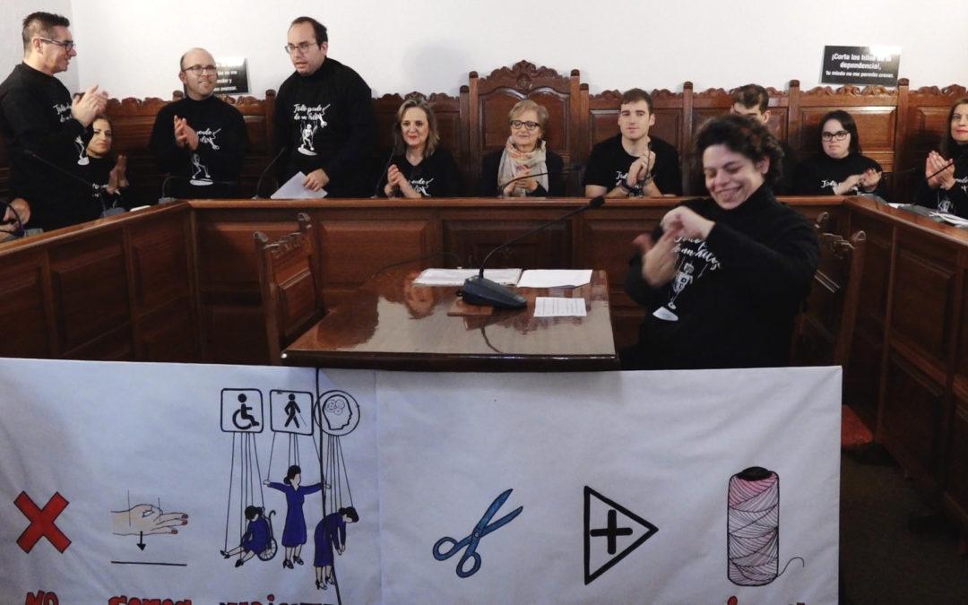 Los usuarios del Centro Ocupacional San Pablo alzan su voz en el Salón de Plenos