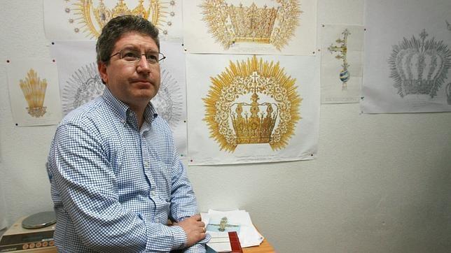 Varela labrará la Corona Pontificia de la Virgen de la Fuensanta