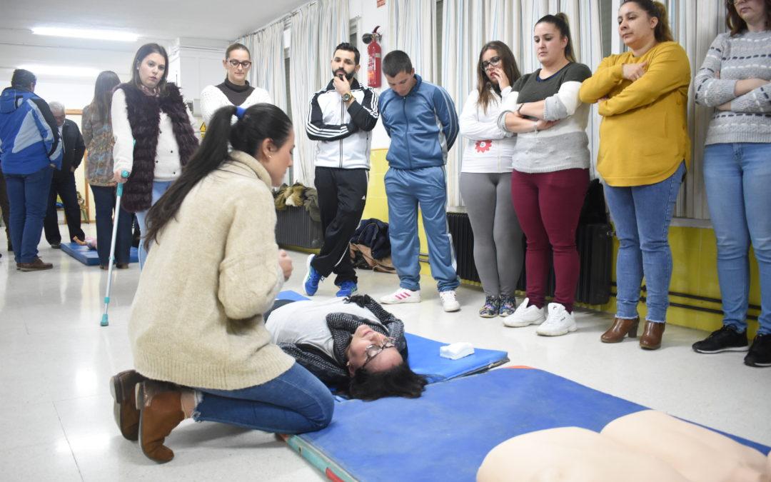 El AMPA Pequeñas Sonrisas organiza un taller de primeros auxilios para aprender a salvar vidas