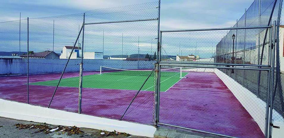 """Inauguradas las nuevas pistas deportivas del barrio """"El Sol"""""""