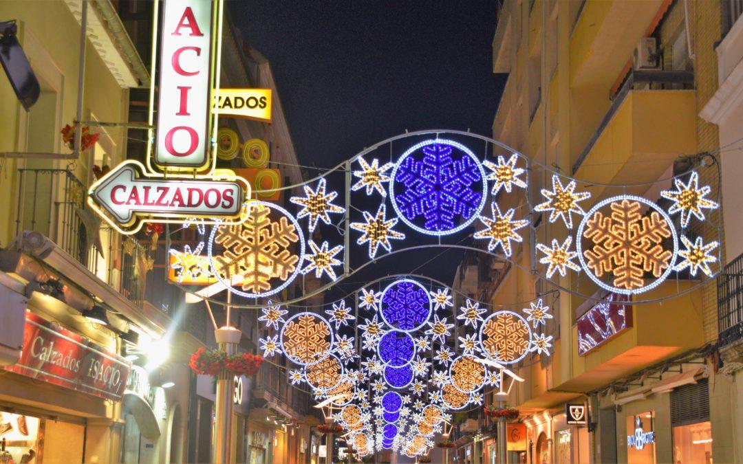 La Navidad llega por fin a Linares con el encendido de las luces