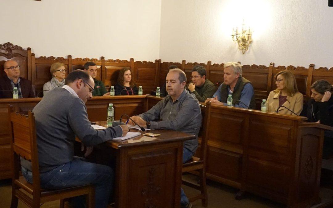 PP y PSOE donan unos 18.000 euros de su asignación como grupo para luchar contra el COVID