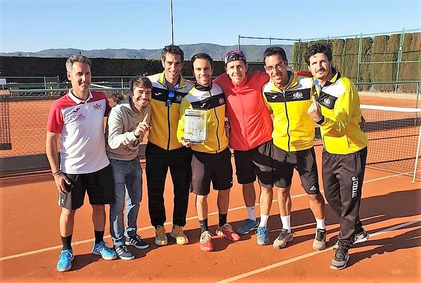 Linares hace historia en el tenis andaluz