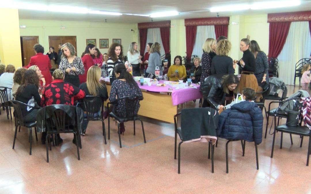 """""""Las Coletas"""" celebran una merienda navideña de convivencia"""