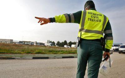 La Guardia Civil detiene a un conductor como presunto autor de los Delitos de conducción temeraria, bajo los efectos del alcohol y carecer de permiso de conducir