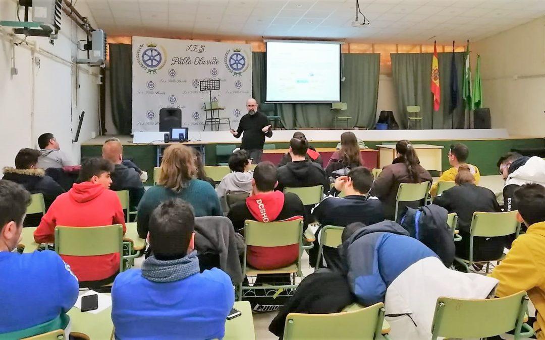 El alumnado del Pablo Olavide aborda el mercado laboral y las tics en unas jornadas
