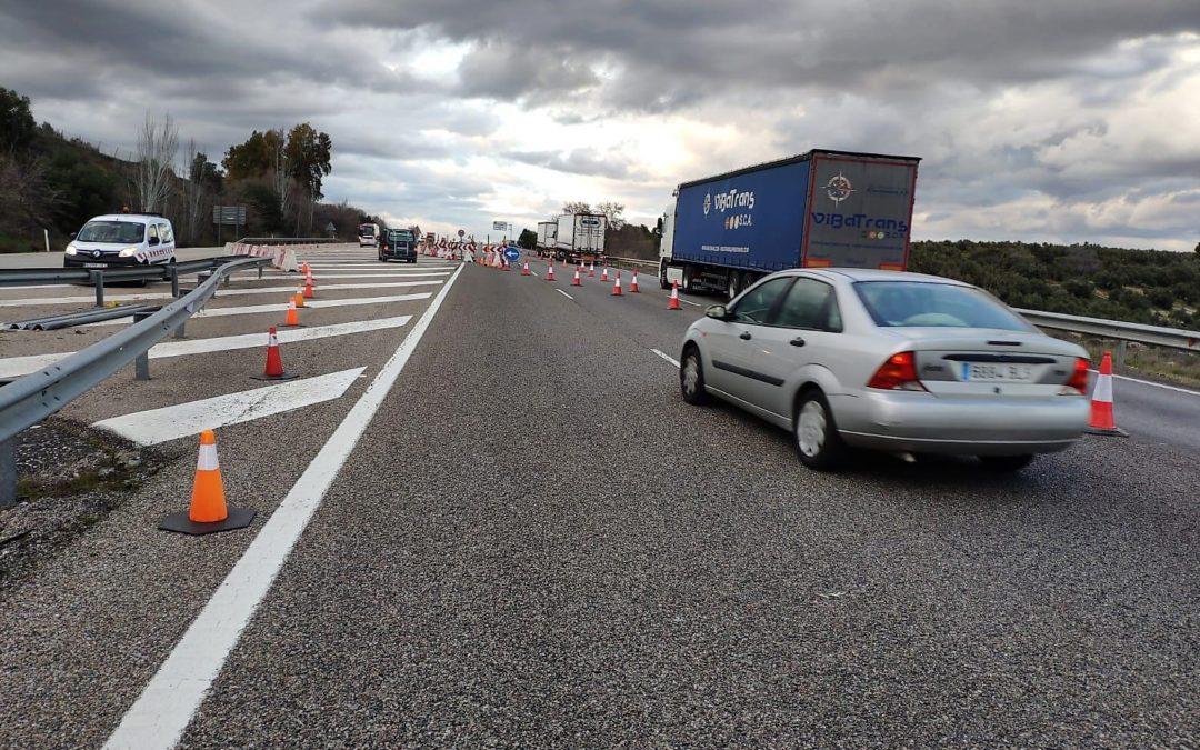 Obras en sentido Madrid para arreglar el socavón de la A-4 a su paso por La Carolina