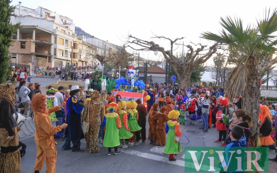 Carnaval de alegría y color en Castillo de Locubín