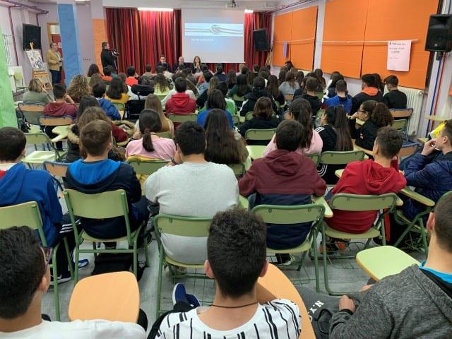 Estudiantes de Martos aprenden los valores de la identidad andaluza