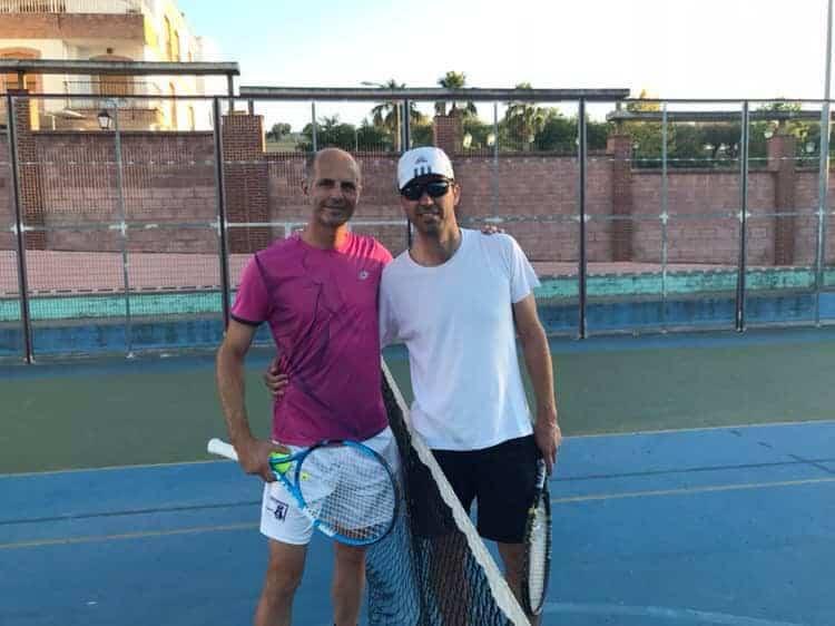 Disputada fase final entre Diego Carrillo y Fernando Carrasco del III Torneo de Tenis Villa de Torredelcampo