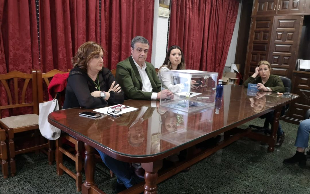 La Hdad. de la Virgen del Rocío renombra a Javier Guerrero como Hermano Mayor
