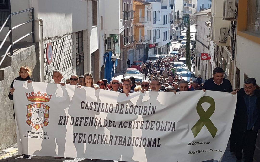 Castillo de Locubín, en defensa del olivar y del aceite