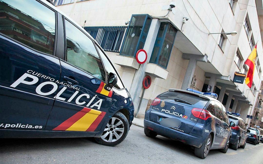 Detenidos ocho jóvenes, dos de ellos en Linares por distribuir vídeos de contenido sexual de una menor de edad por las redes