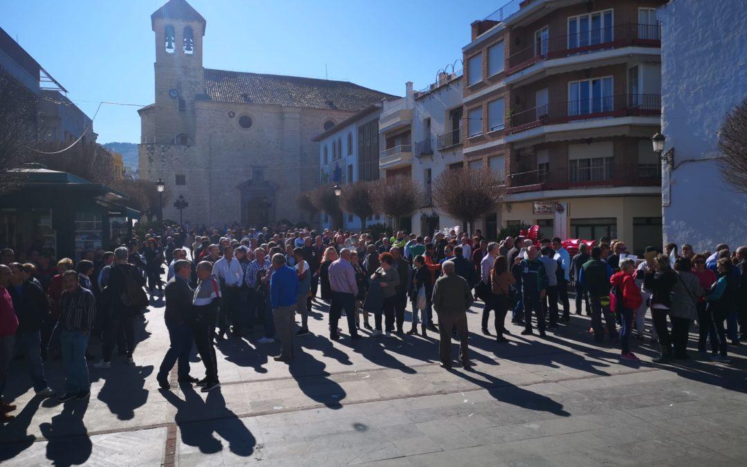 Poca afluencia en Torredelcampo en la concentración por el precio del aceite de oliva