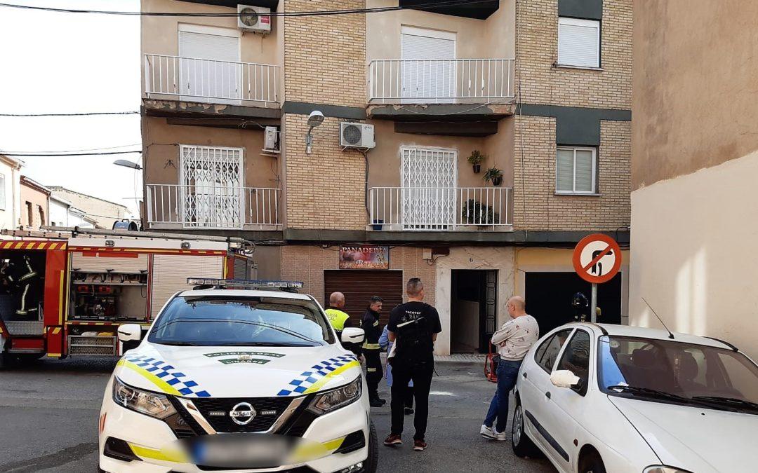 Herido un hombre por quemaduras en el incendio de un piso en Linares