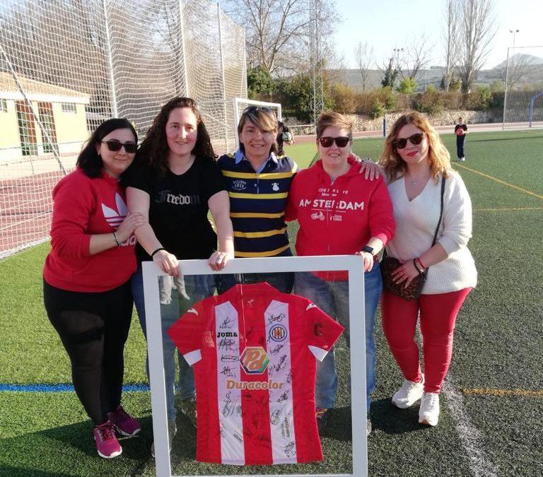 GALERÍA DE FOTOS: Reconocimiento sorpresa para Inma Martos, futbolista de la UDCT
