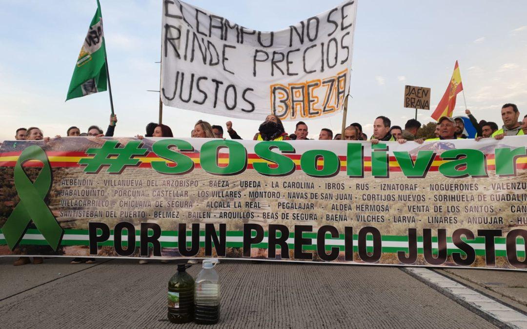 Habilitado un paso en la A-4 en dirección a Sevilla por la protesta de los agricultores