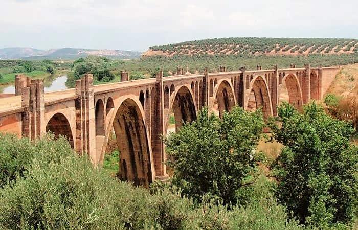 La Diputación impulsa la promoción de las vías verdes de Linares